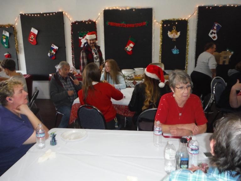 Christmas12-17b